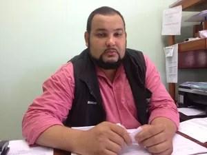 Conselheiro tutelar João Bosco informou que menino está sob medida protetiva (Foto: Anne Karoline/G1)