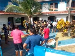 Confusão em escola da Grande Natal envolveu a Polícia Militar (Foto: Kleber Teixeira/Inter TV Cabugi)