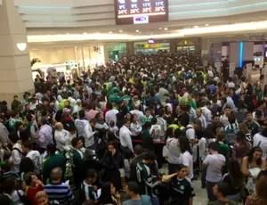 Torcida do Palmeiras no lançamento do livro do Marcos (Foto: Diogo Venturelli / Globoesporte.com)