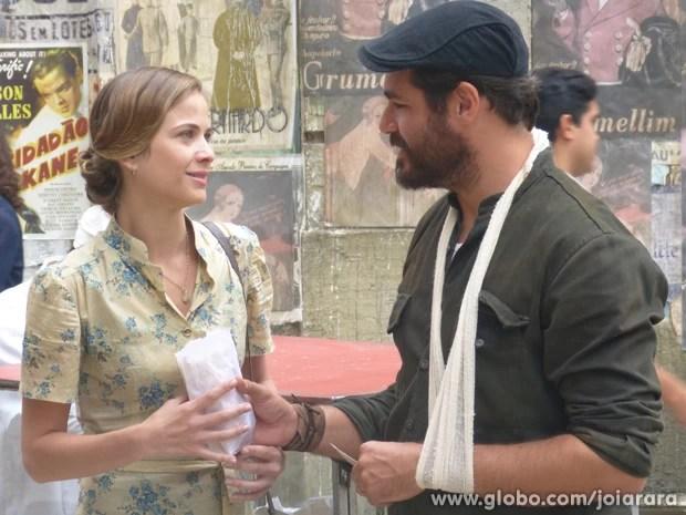 Será que Toni vai descobrir que Hilda na verdade é uma Hauser? (Foto: Joia Rara/ TV Globo)