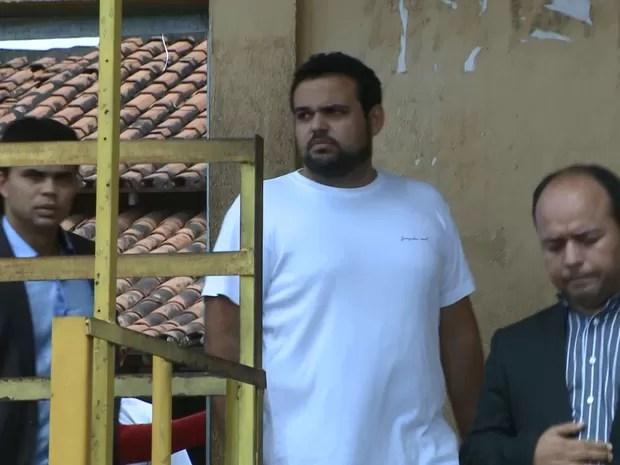 Médico Marco Salomão saiu do Complexo de Pedrinhas a tarde desta terça (19) (Foto: Reprodução/TV Mirante)