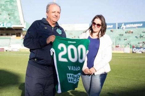 Vadão é o terceiro técnico que mais dirigiu o Guarani  — Foto: Rafael Fernandes / GuaraniPress