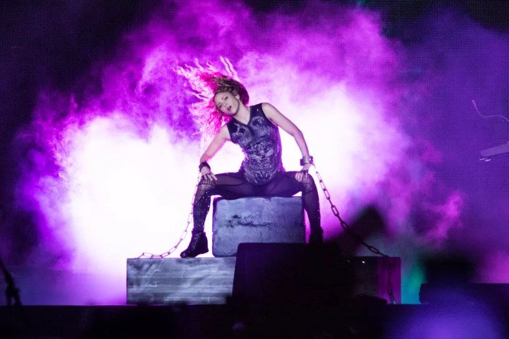 Shakira faz show em São Paulo neste domingo (21) — Foto: Celso Tavares/G1