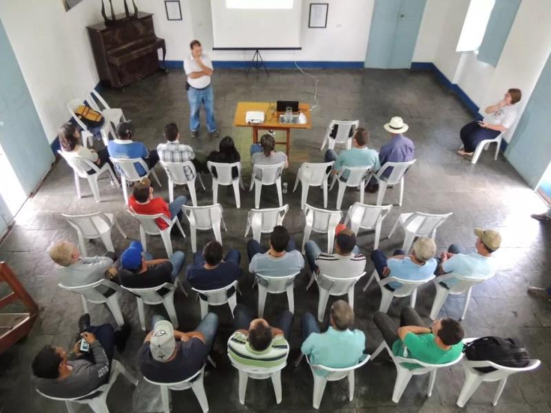 Reunião do projeto Balde Cheio em Maria da Fé (MG) — Foto: Embrapa Pecuária Sudeste/Divulgação