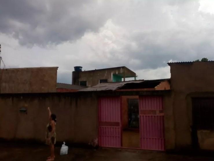 Casas ficaram destelhadas em Porto Velho após forte chuva. — Foto: Arquivo