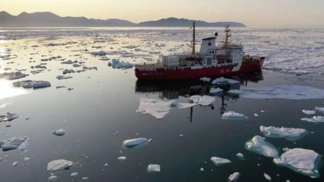 Os pesquisadores realizaram mais de 40 expedições atlânticas para explorar o fundo do oceano em detalhes — Foto: Atlas via BBC