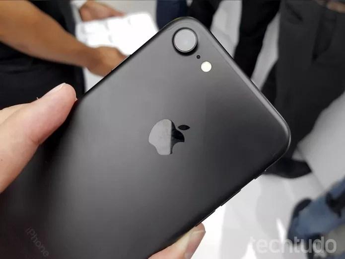 iPhone 7 traz novas cores e novo design de câmera na parte traseira (Foto: Thassius Veloso/TechTudo) (Foto: iPhone 7 traz novas cores e novo design de câmera na parte traseira (Foto: Thassius Veloso/TechTudo))