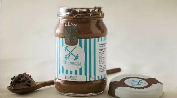 O brigadeiro de colher da Fitcookies é feito com leite de coco e cacau belga (Foto: Divulgação)
