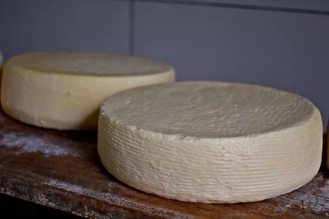 Brasil importa mais de 36 mil toneladas de queijo por ano — Foto: Lucas Soares/G1