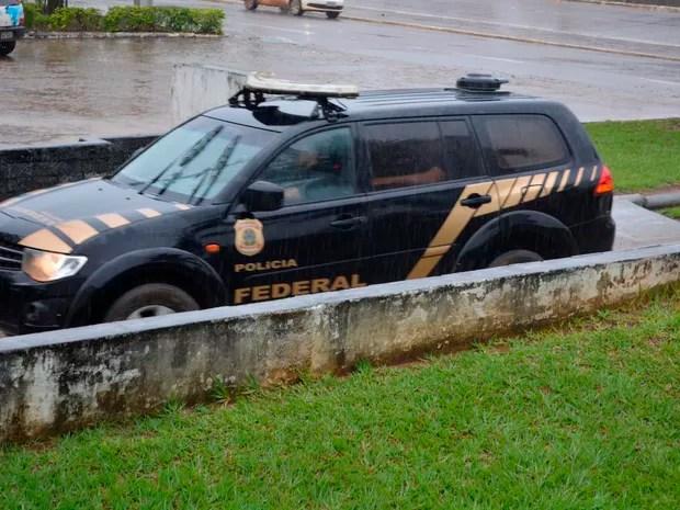 PF cumpre mandados em operação por fraude contra o INSS (Foto: Jeferson Carlos/G1)