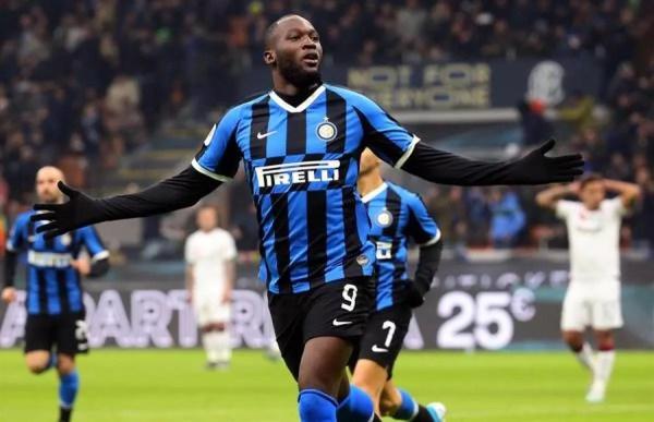 Com dois de Lukaku, Inter de Milão goleia o Cagliari por 4 a 1 e avança na Copa da Itália