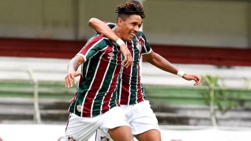 Miguel Vinícius comemora gol na vitória sobre o Bahia — Foto: Mailson Santana / Fluminense FC
