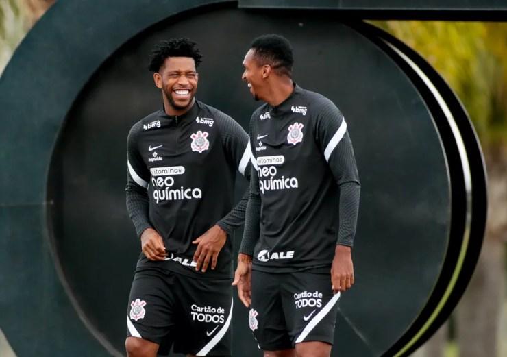 Gil e Jô podem reaparecer entre os titulares do Corinthians nesta noite — Foto: Rodrigo Coca/Ag.Corinthians