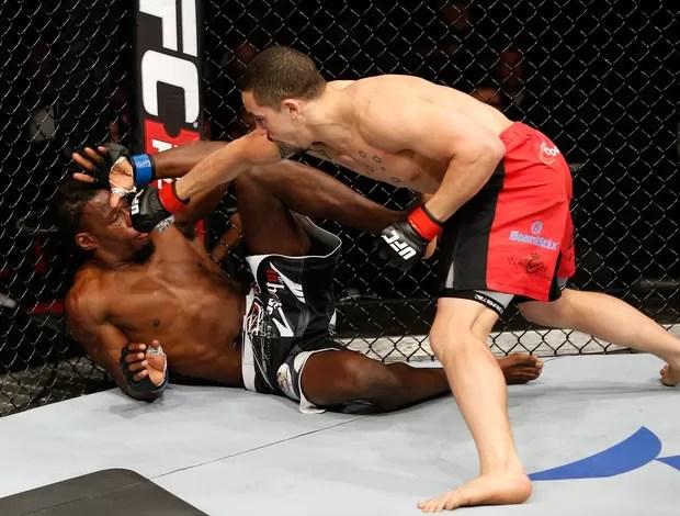 Robert Whittaker x Clint Hester UFC (Foto: Getty)