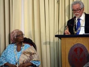 """Capinam leu o discurso da nova """"imortal"""" (Foto: Egi Santana/G1)"""