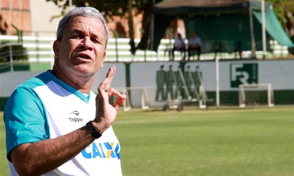 Hélio dos Anos tenta conquistar o Goianão pela quinta vez na carreira (Foto: Rosiron Rodrigues/Goiás E.C.)