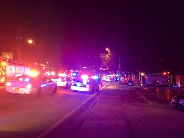 Equipes de polícia chegam ao local do incidente em Orlando (Foto: Departamento de Polícia de Orlando)