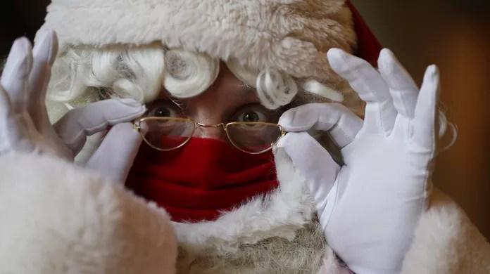 Escola de Papai Noel em Londres muda treinamento por causa da pandemia de Covid-19; FOTOS   Mundo   G1
