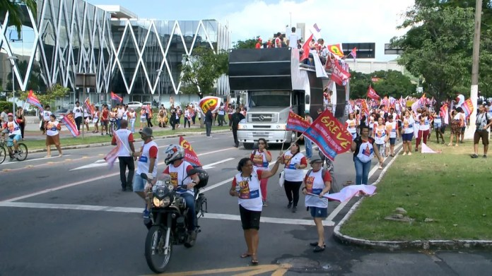 Protesto em Vitória — Foto: Luciney Araújo/ TV Gazeta