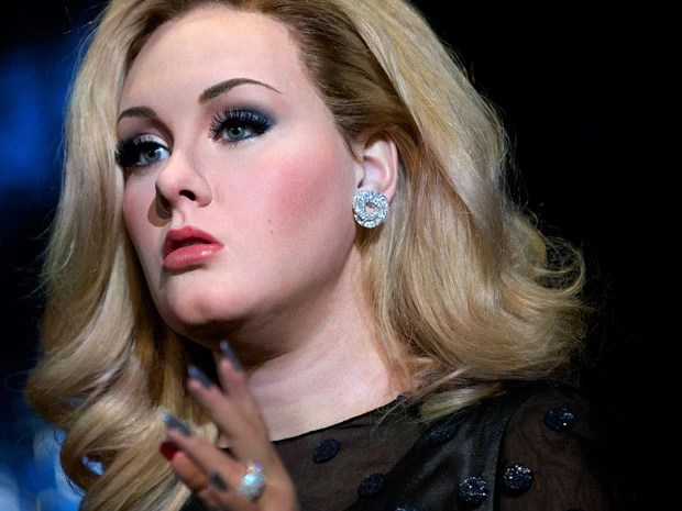 Réplica de Adele exposta no Madame Tussauds de Londres (Foto: Andrew Cowie / AFP)