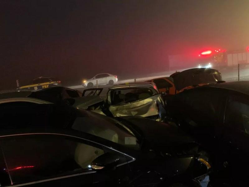 Acidente envolveu 22 veículos na BR-277, no sentido litoral  — Foto: Cícero Bittencourt/RPC