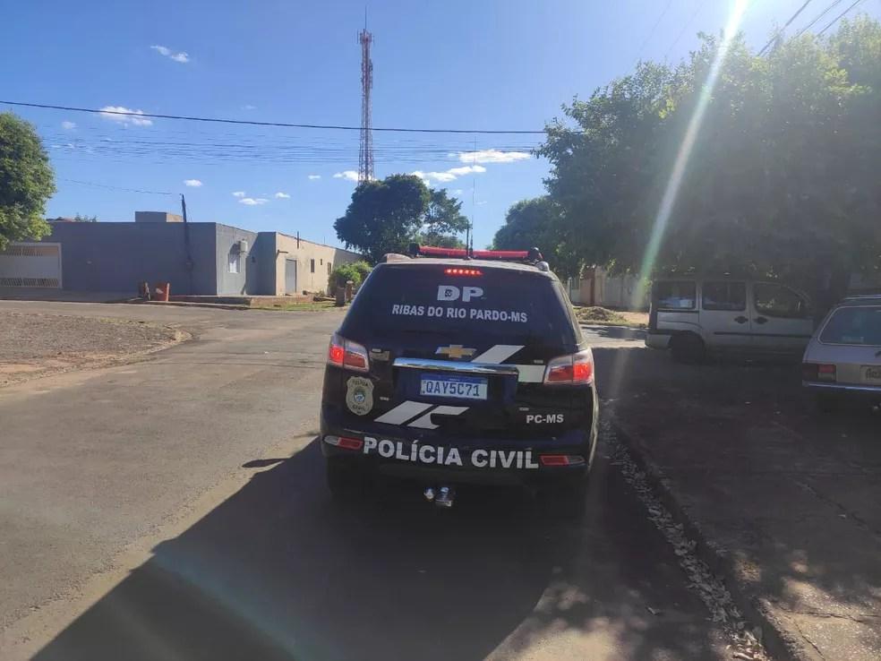 Homem foi detido e indiciado por 3 crimes — Foto: Polícia Civil/Divulgação