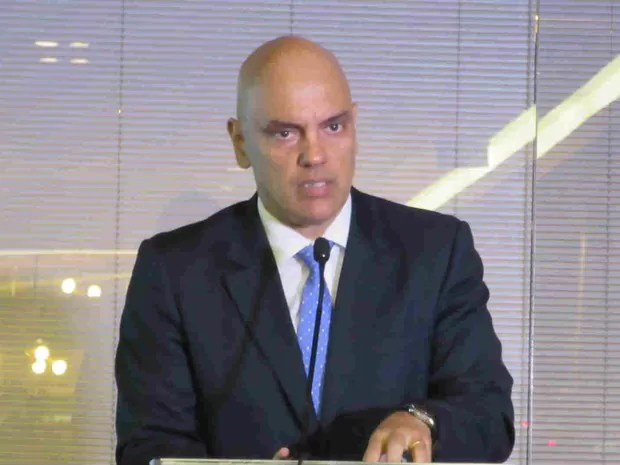 Ministro da Justiça e Cidadania, Alexandre de Moraes, em entrevista coletiva nesta segunda-feira (Foto: Pedro Borges/G1)
