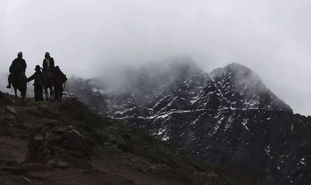 Situada na Cordilheira do Vilcanota, a montanha fica a 5,2 mil metros acima do nível do mar, no distrito de Pitumarca, no Peru (Foto: Martin Mejia/AP)