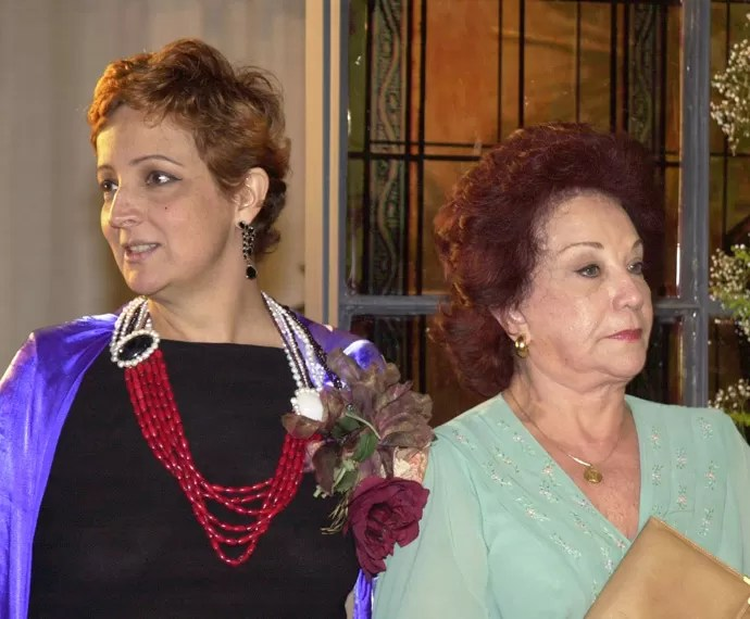 Betty Lago - Mercedes (Betty Lago) e Isabelita (Lolita Rodrigues) em Kubanacan (2003) (Foto: João Miguel Júnior/TV Globo )