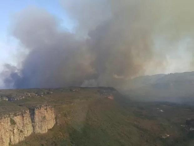 Incêndio na Chapada Diamantina (Foto: Divulgação/ Secretaria de Meio Ambiente de Palmeiras)