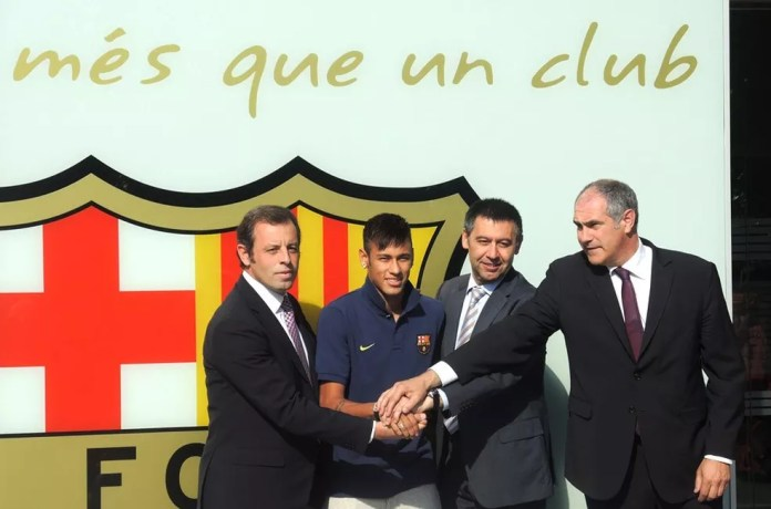 Neymar foi apresentado no Barcelona em 2013 — Foto: Marcelo Hazan