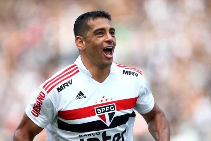 Diego Souza é a esperança de gols do São Paulo para o clássico contra o Palmeiras — Foto: André Durão