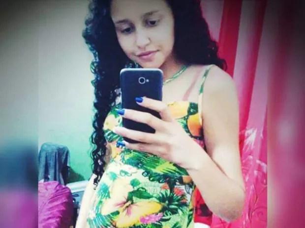 Valíssia Fernandes de Jesus foi esfaqueada e morta em Pitangueiras, SP (Foto: Reprodução/Facebook)