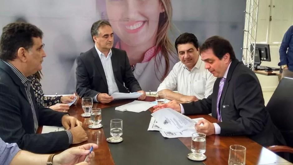 Prefeito Luciano Cartaxo (PSD) autorizou concurso para área de saúde em João Pessoa nesta segunda-feira (21) (Foto: Angélica Nunes/Jornal da Paraíba)
