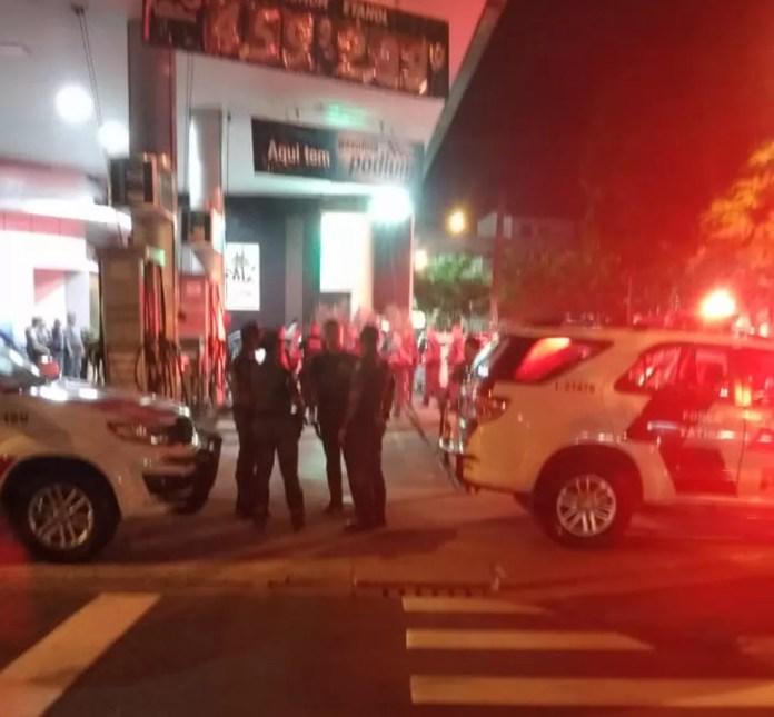 Crime ocorreu no início da madrugada de sábado (6), em Guarujá, SP — Foto: Reprodução/Guarujá Notícias
