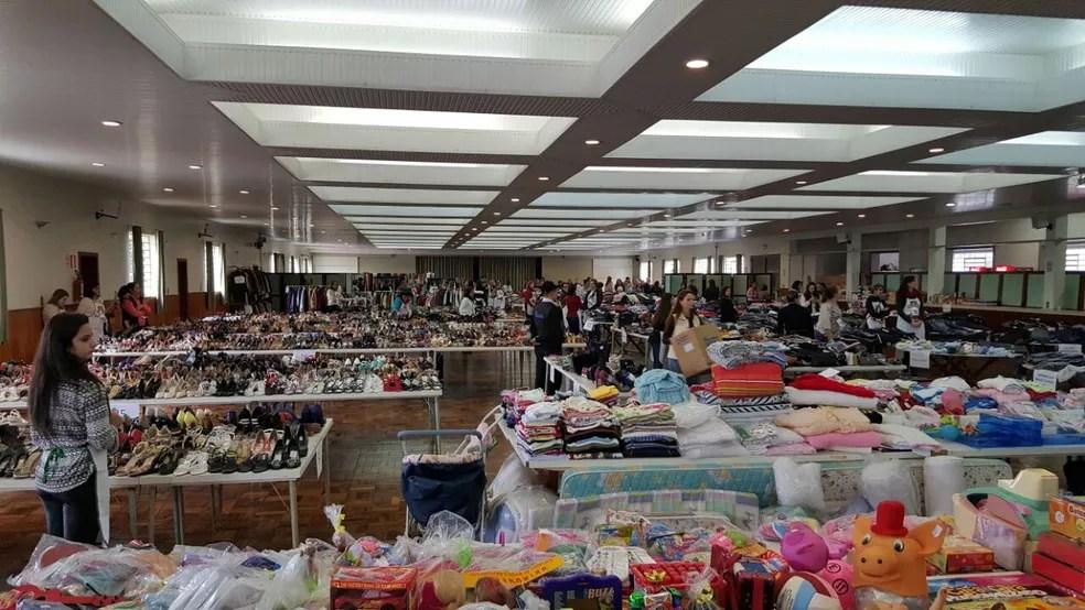 Voluntárias organizam bazar anual e renda arrecadada é doada para projetos sociais em Caxias do Sul (Foto: Bazar do Bem/Divulgação)