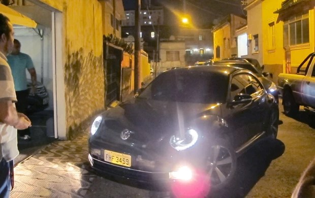 Neymar carro (Foto: TV Tribuna)