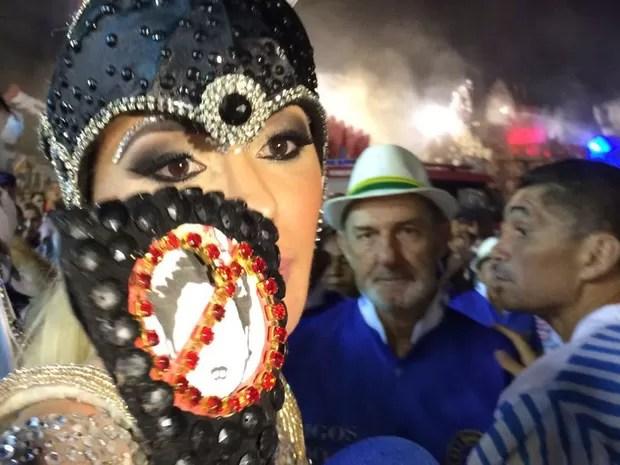 Unidos do Peruche proibiu Ju Isen de usara tapa sexo com imagem de protesto contra Dilma (Foto: Letícia Macedo/G1)