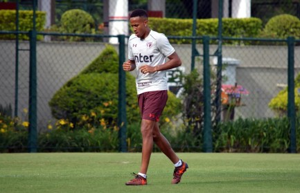 Éder Militão, do São Paulo, tem negociação para renovar contrato (Foto: Érico Leonan / saopaulofc.net)