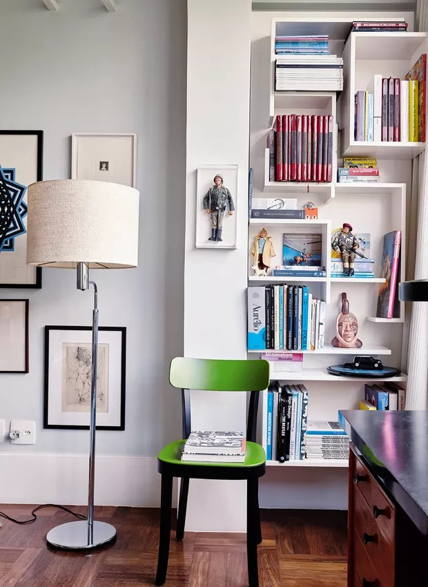 estante-cadeira-verde-lustre (Foto: Victor Affaro)