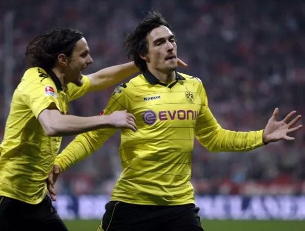 Hummels comemora gol do Borussia Dortmund (Foto: Reuters)