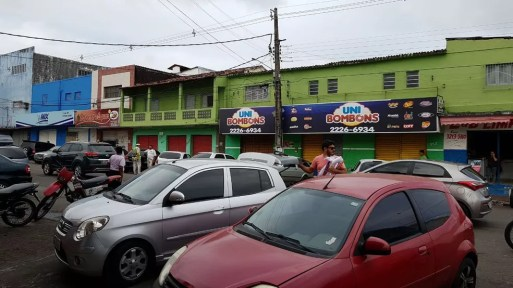 Comércio de rua foi fechado após tumultos no bairro do Alecrim, em Natal, nesta quarta (20); 20/12/2027 — Foto: Filipo Cunha/Inter TV Cabugi