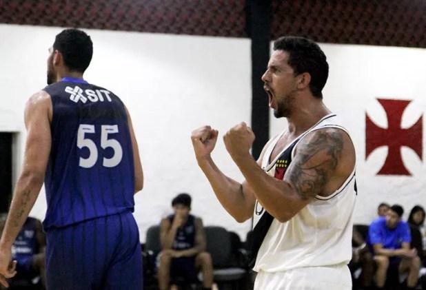 Vasco celebra vitória sobre o Macaé (Foto: Paulo Fernandes/Vasco.com.br)