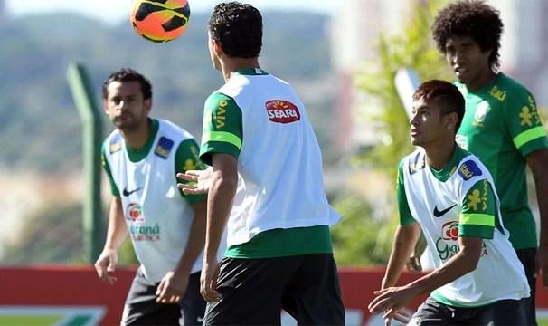 Jogadores treinam para partida de domingo contra a França (Foto: Wander Roberto / Vipcomm / Reprodução: Globoesporte.com)