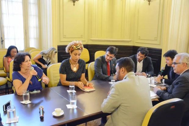 Marielle durante reunião da comissão de acompanhamento da intervenção federal (Foto: Renan Olaz/CMRJ)