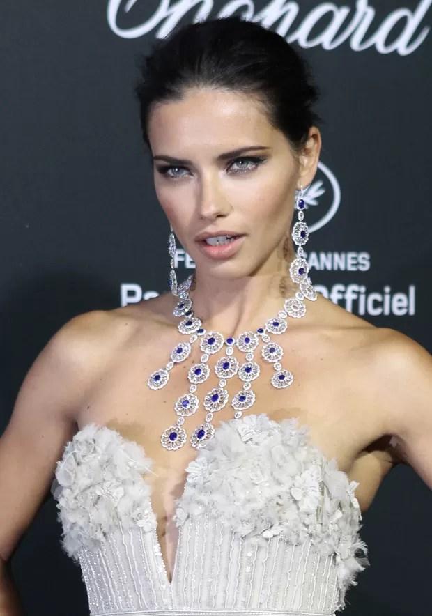 Adriana Lima em Cannes (Foto: AFP / Agência)