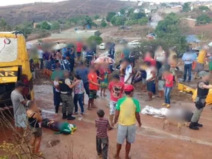 Acidente aconteceu na BR-424 (Foto: Divulgação/Polícia Militar)