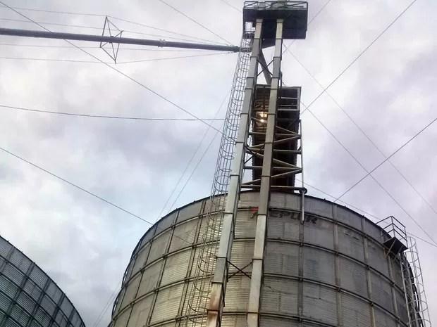 Funcionário trabalhava na manutenção do elevador de um silo (Foto: Divulgação)