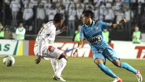 Neymar, Figueirense e Santos (Foto: Rubens Flores / Agência Estado)
