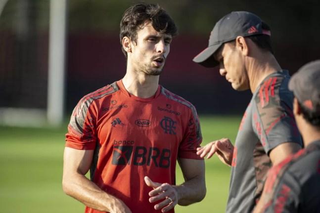 Rodrigo Caio no treino do Flamengo de segunda-feira no Ninho do Urubu — Foto: Alexandre Vidal/Flamengo